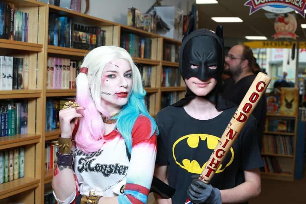 Und nachdem Batman selbst Harleys Schläger überprüft hatte...