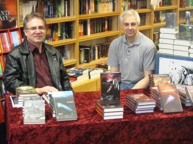 Andreas Groß stellt seinen Roman - Im Schatten des Blutmondes - am Stand vom - Saphir im Stahl - Verlag vor.
