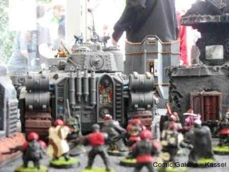 Im Schutze der Panzer